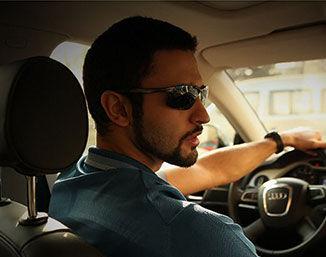 老司机选太阳镜应该注意点啥?才能安全驾驶又不怕晒