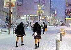 为什么日本女生冬天露大腿,你就非得穿秋裤?