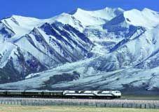 破解高原冻土难题青藏铁路直通拉萨