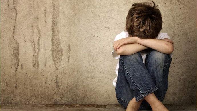 诱发儿童抑郁症的原因有哪些?