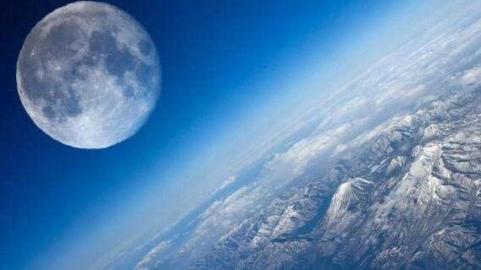 以宇宙尺度来看,月球离我们有多远?