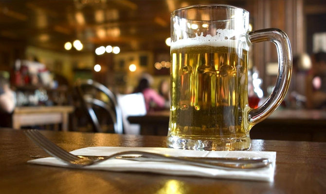 白酒啤酒混喝真的容易引发肝癌吗?