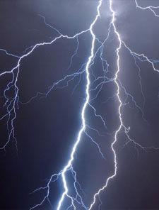 为什么先看到闪电后听见雷声?