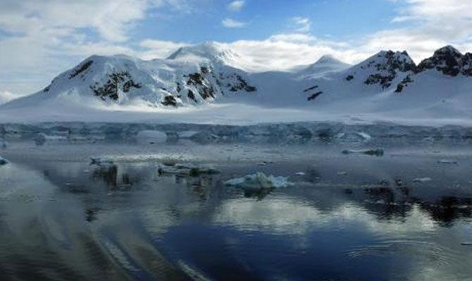 """南极为什么被称为""""陨石仓库""""?"""
