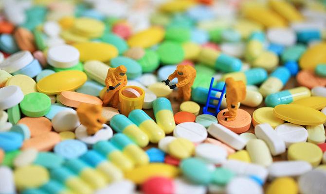 抗生素在预防和治疗新型冠状病毒方面有效吗