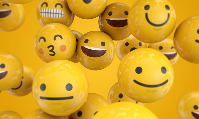发微笑表情到底是夸人还是骂人